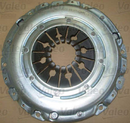 Zestaw Valeo sztywne koło zamachowe + sprzęgło Audi A8